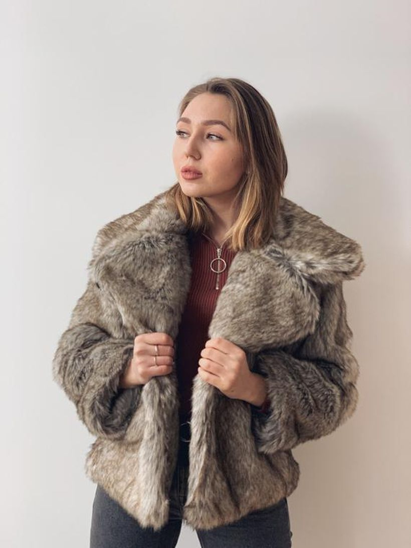 Grey-fake-fur-thick-coats-for-women