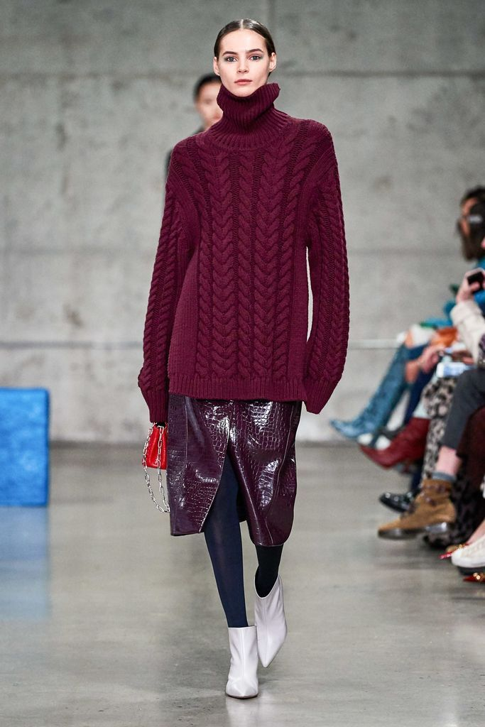Big maroon knit sweater for women