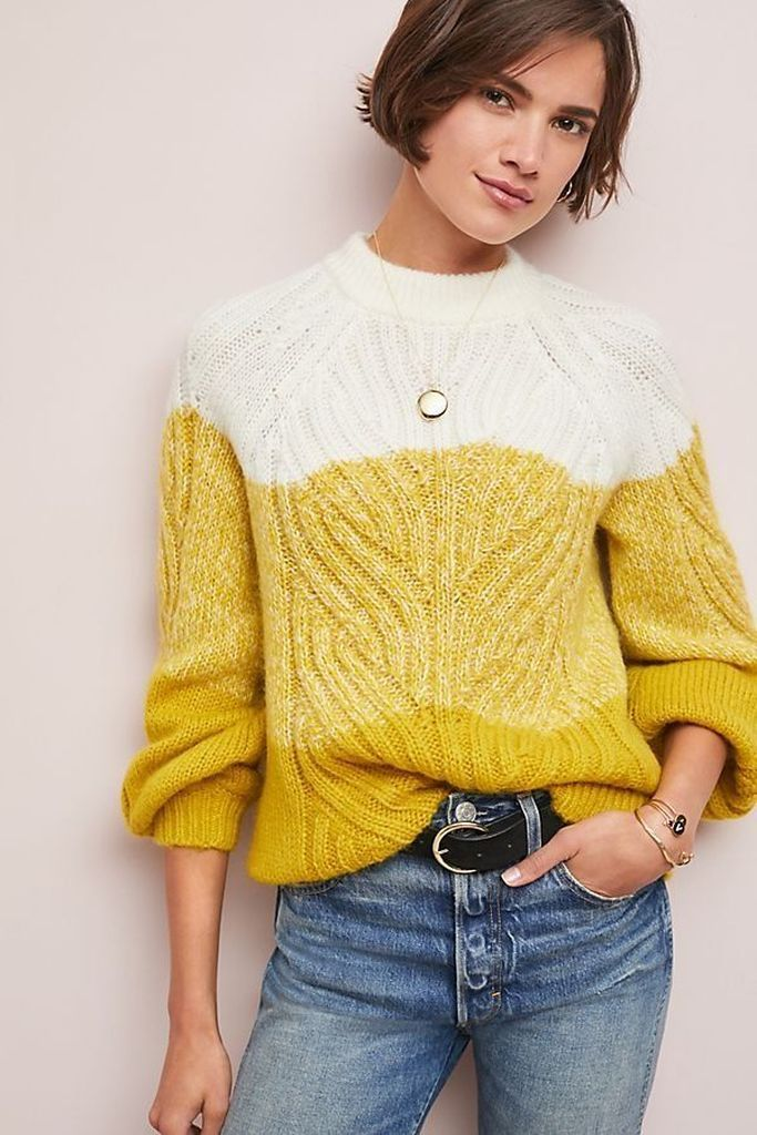 White and yellow knit sweater to perfect your style