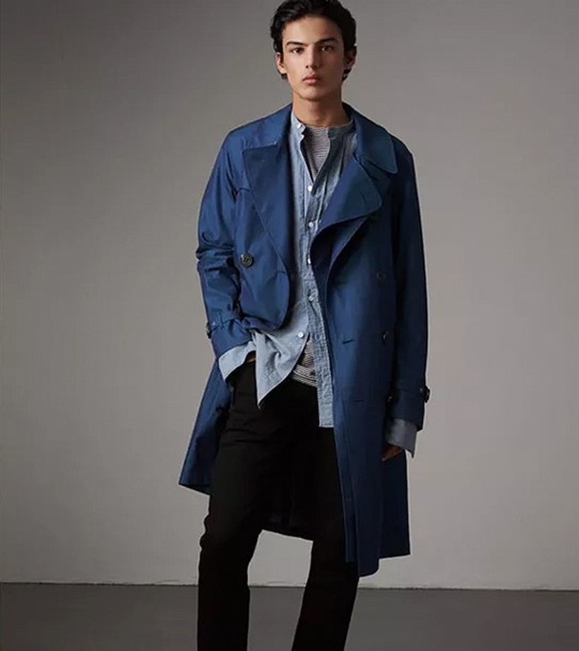 Formal-men-blue-coat-with-long-sleeve-grey-shirt-and-black-pant-to-look-cool