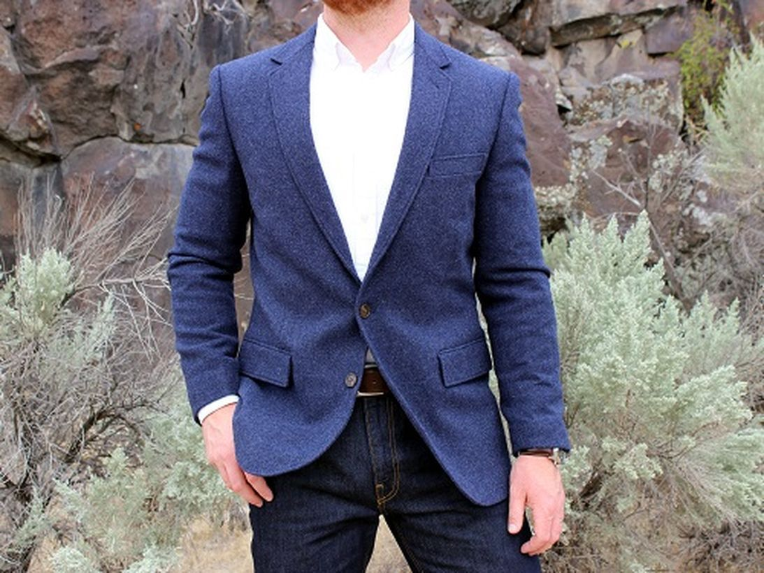 Blue-tweed-sportcoat-for-men-with-long-sleeve-white-shirt-and-denim-pant-to-look-casual