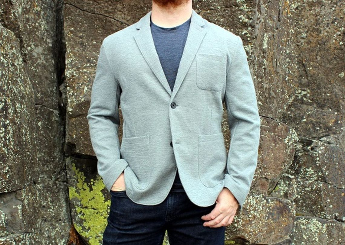 Light-grey-sportcoat-for-men-with-grey-t-shirt-and-denim-pants-to-look-stylish