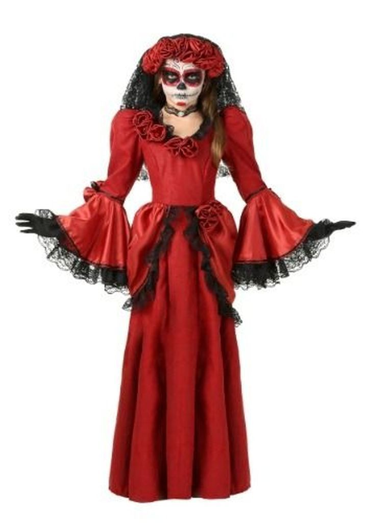Red dress to perfect your costumes halloween