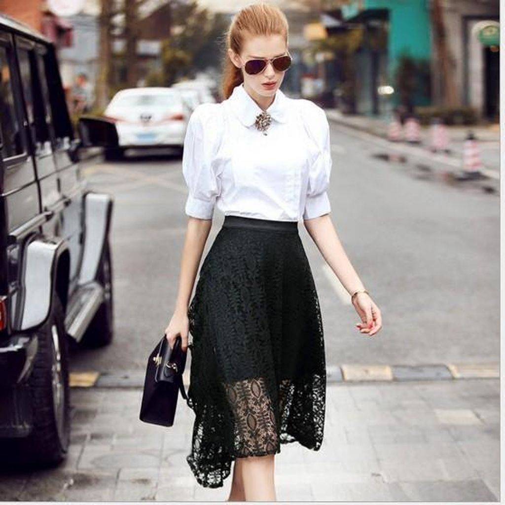 Best casual outfit with white collar puff sleeve blouse combined with black lace skirt to beautify your style
