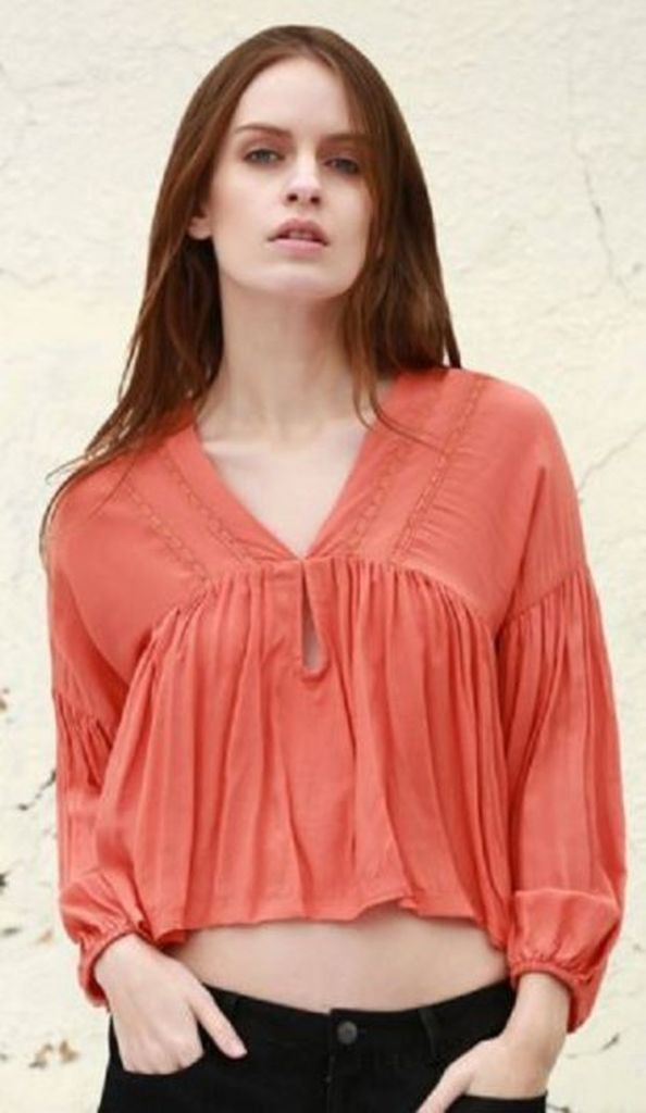 Cool outfit style for women with orange cropped puff sleeve v neck blouse to beautify your style in this moment