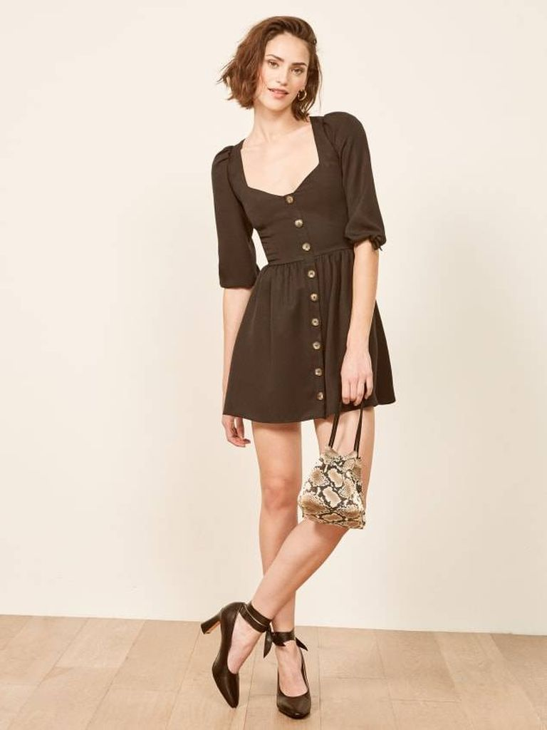 An incredible outfit ideas for women with puff button up shoulder dresses to beautify your style in this moment