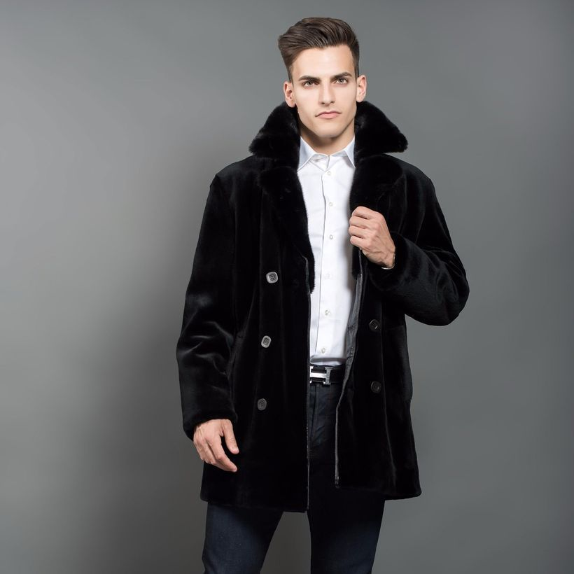 An adorable black fur men coat to look amazing style