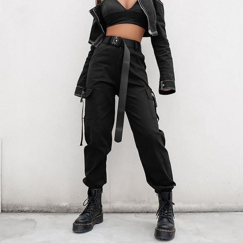 Black-cargo-trouser-with-boots-for-women