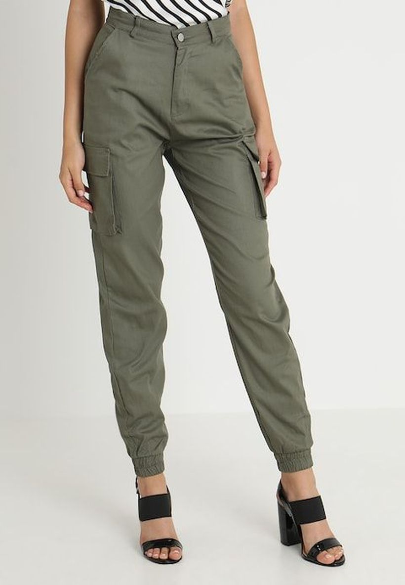 Brown-cargo-trousers-with-stripe-t-shirt