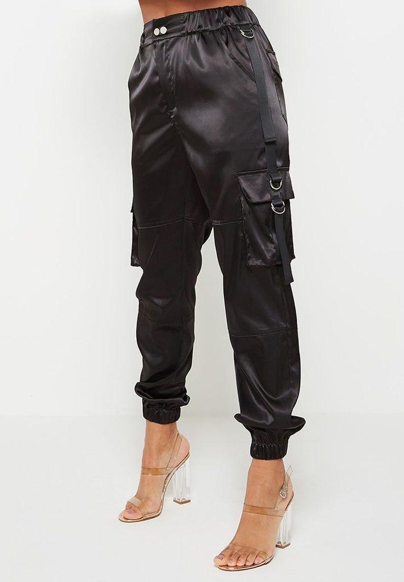 Pretty-black-cargo-trouser-for-women