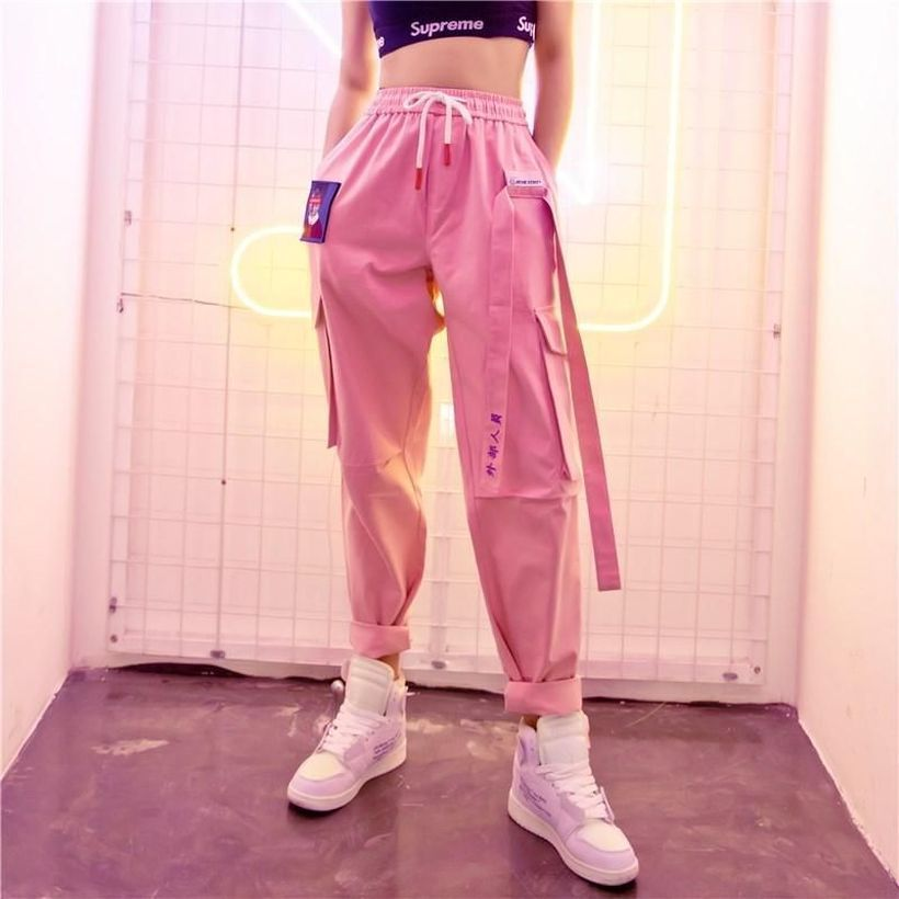 Pretty-pink-cargo-trouser-for-activity-outdoor