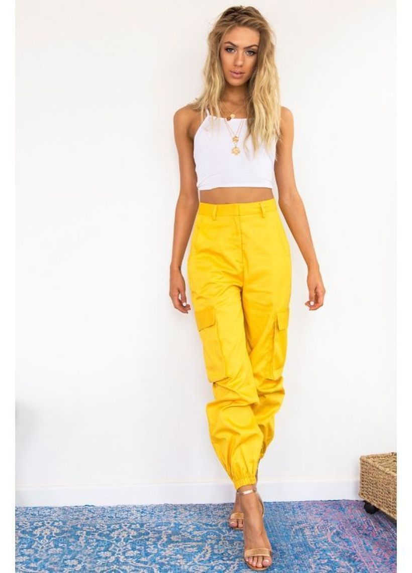 Yellow-cargo-trousers-with-crop-t-shirt