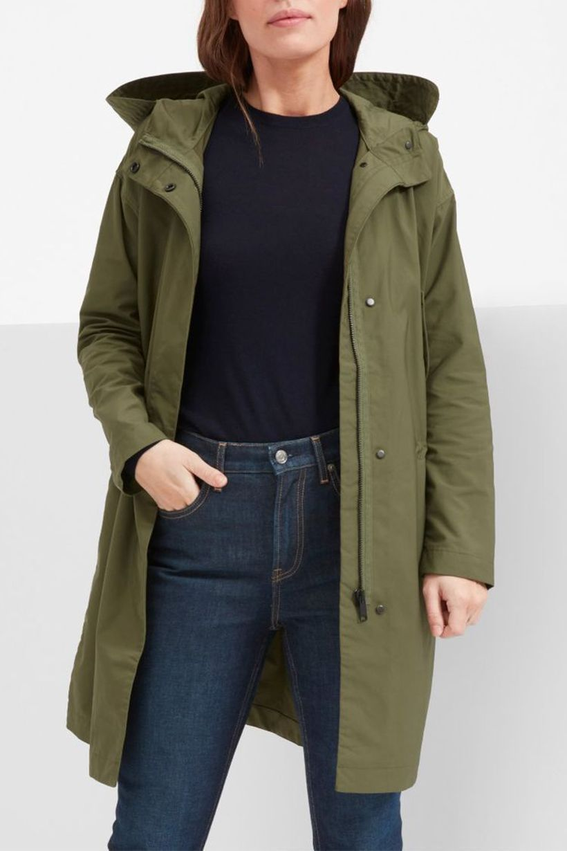 Comfortable-women-outerwear-with-green-over-jacket-and-black-t-shirt-in-order-to-warm-you-up