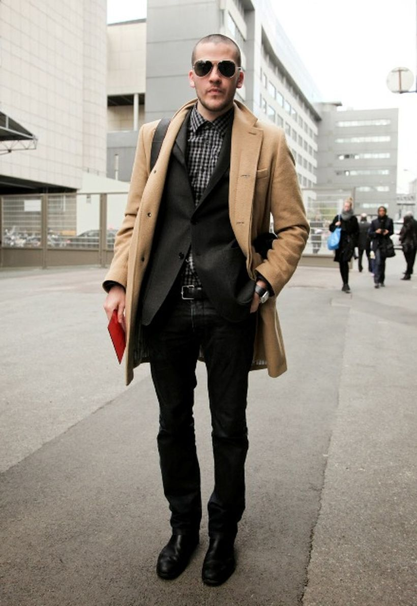 Cool-outerwear-for-men-with-long-sleeve-plaid-and-black-blazer-in-order-to-warm-you-up