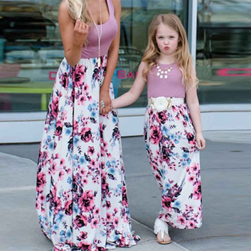 Fall-matching-outfit-for-mom-and-daughter-with-grey-t-shirt-floral-long-skirt-and-add-a-necklace-to-beautify