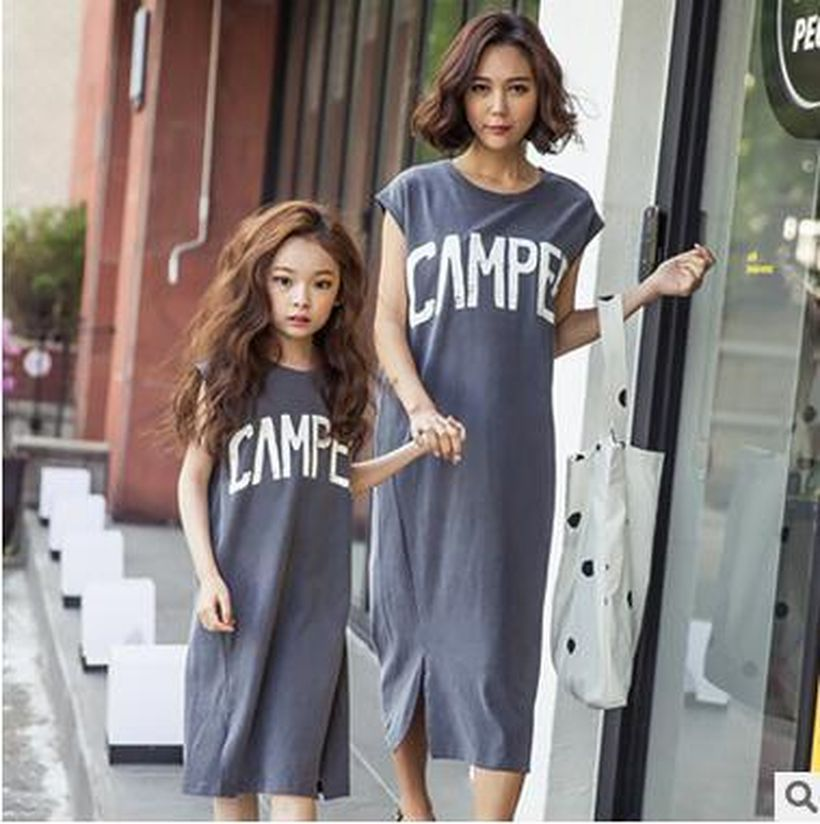 Simple-mom-and-daughhter-with-grey-cotton-dress-to-look-casual