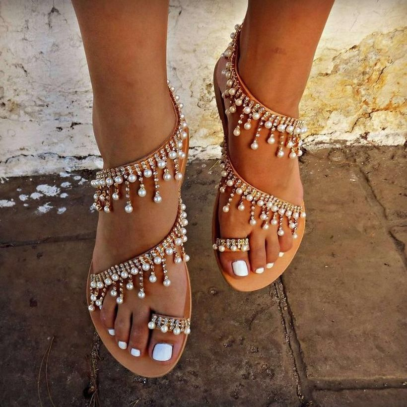 Luxury footwear with pearl and beige color for wonderful style