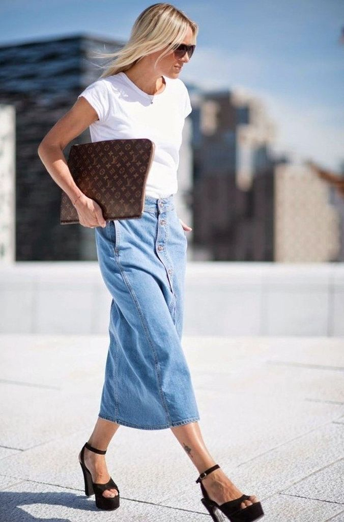 Perfect-combination-casual-outfit-style-for-women-with-white-t-shirt-combined-long-denim-skirt-to-beautify-your-style