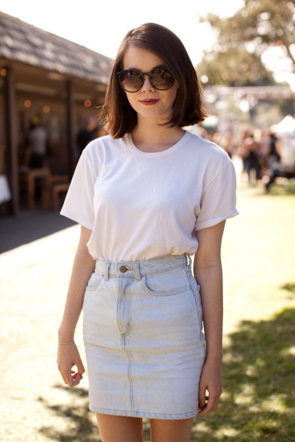 Perfect-casual-outfit-style-for-women-with-bright-denim-skirt-combined-white-t-shirt-to-update-your-style