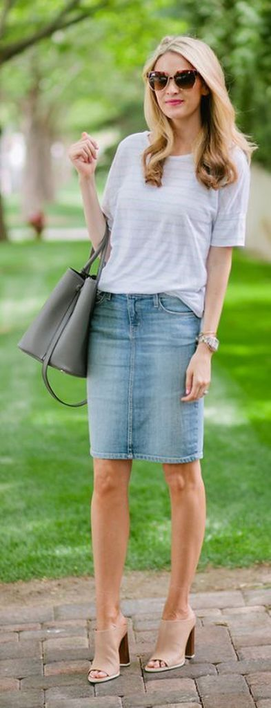 An-elegant-casual-outfit-style-for-women-with-striped-t-shirt-and-denim-skirt-combined-with-handbag-to-perfect-your-style