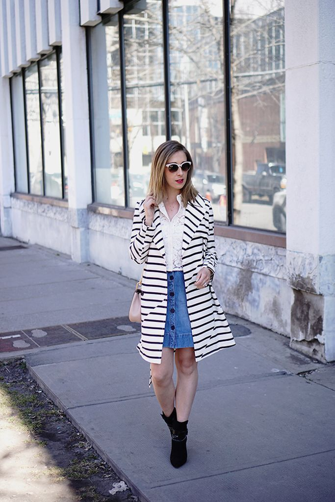 Mesmerizing-outfit-style-with-striped-coat-and-denim-button-skirt-to-perfect-your-style-in-this-moment