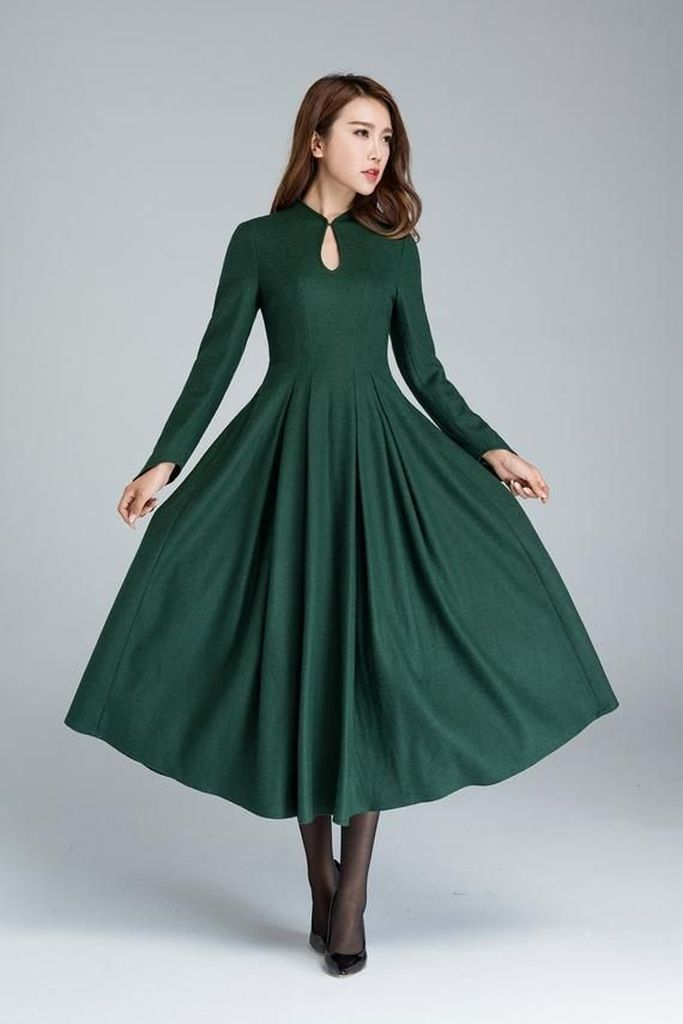 Porm dress in green to complete your style
