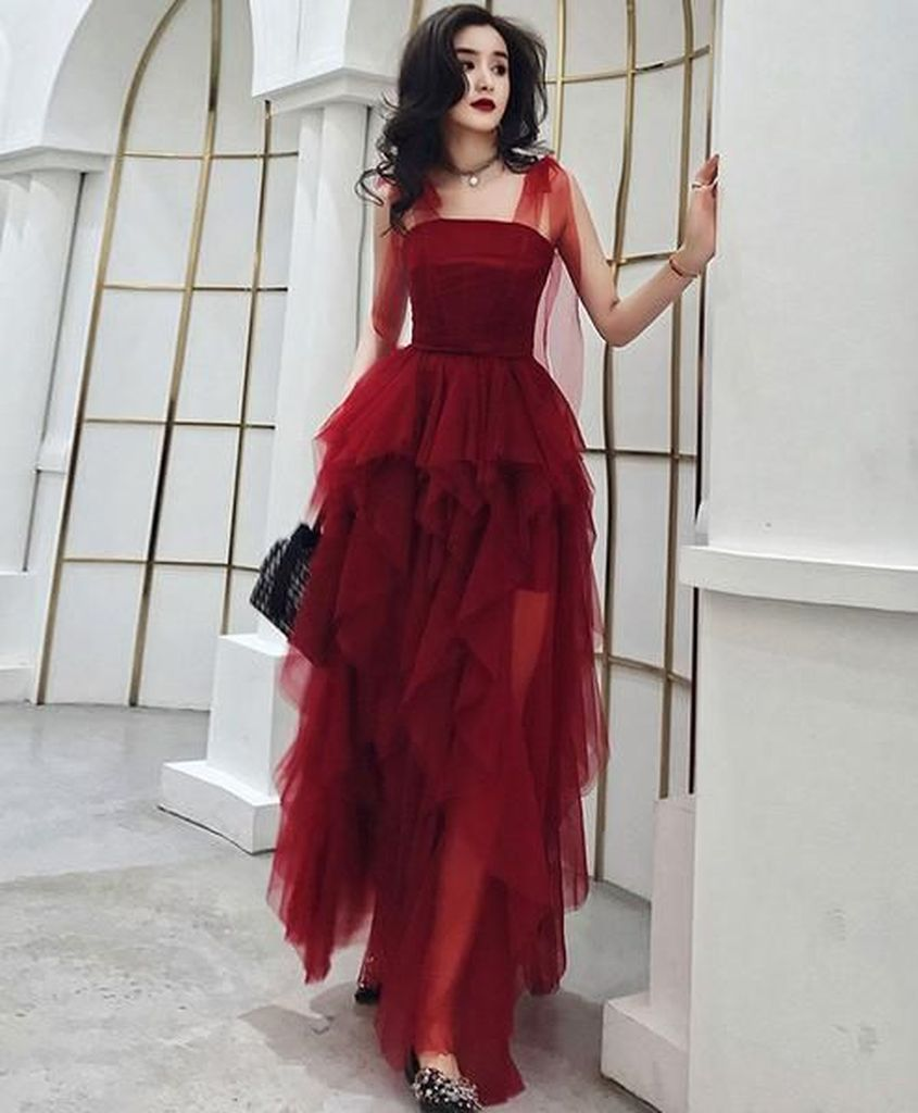 Red porm dress to beautify your style in the night