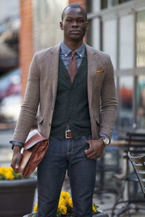 Stylish and casual winter outfit ideas for men 37