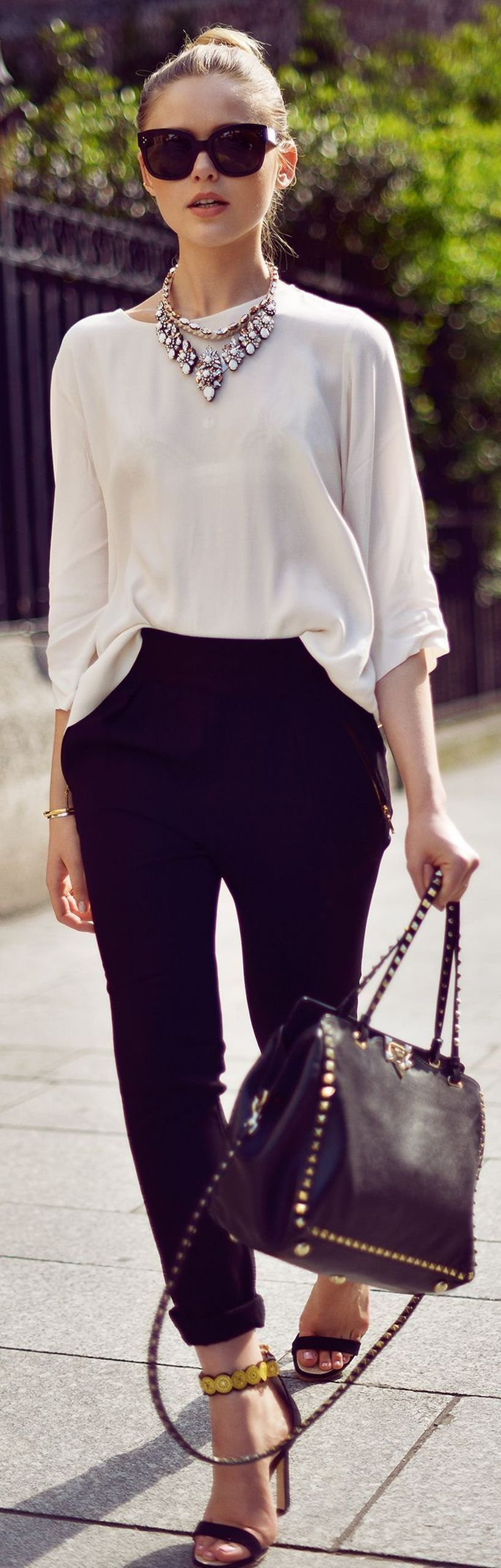 A-perfect-long-sleeve-blouse.-
