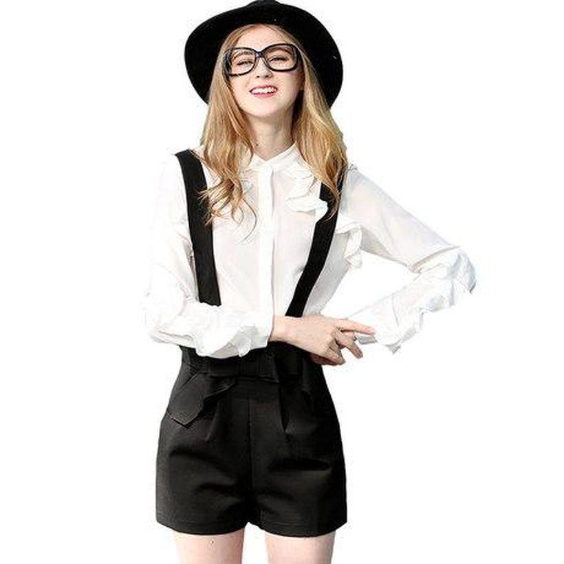 Comfy-white-shirt-and-black-blazer-