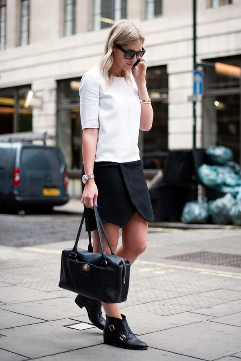 An-elegant-creped-jersey-top.-