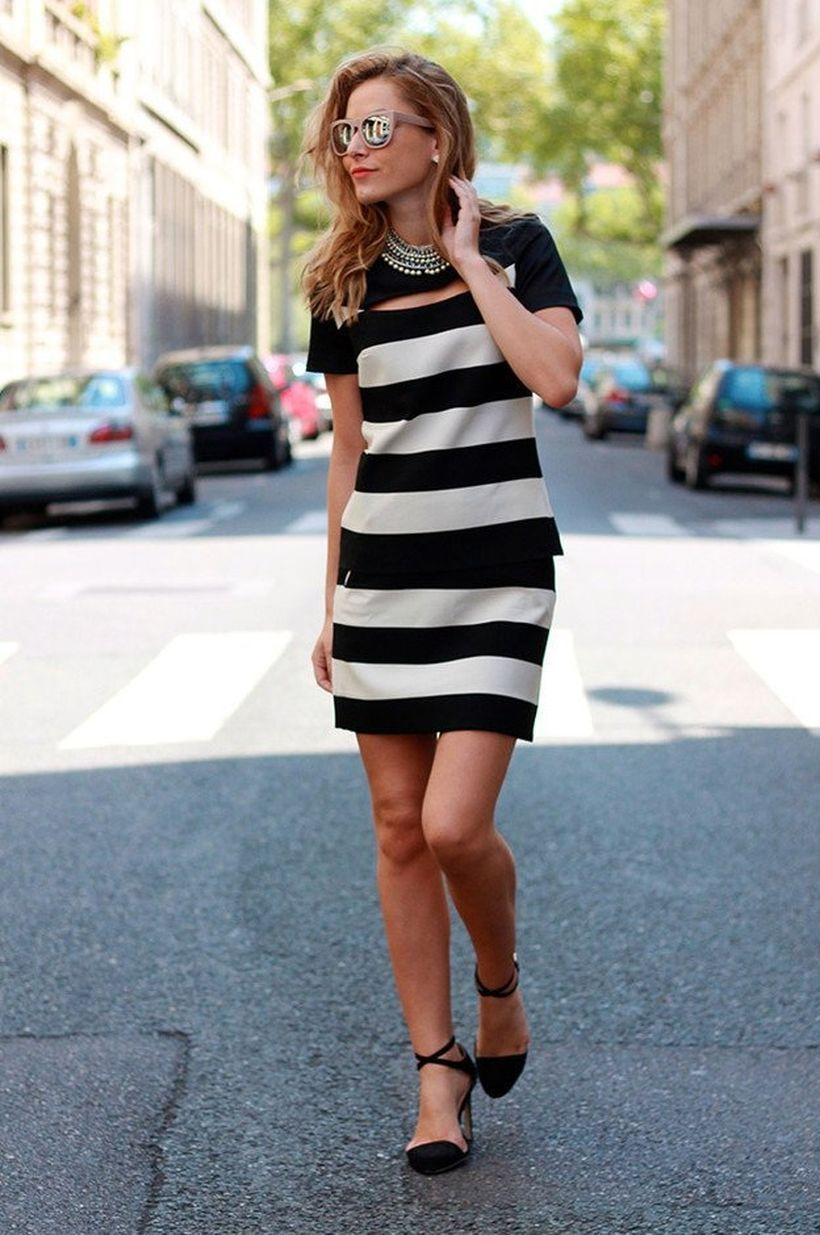 An-extraordinary-one-piece-dress.-
