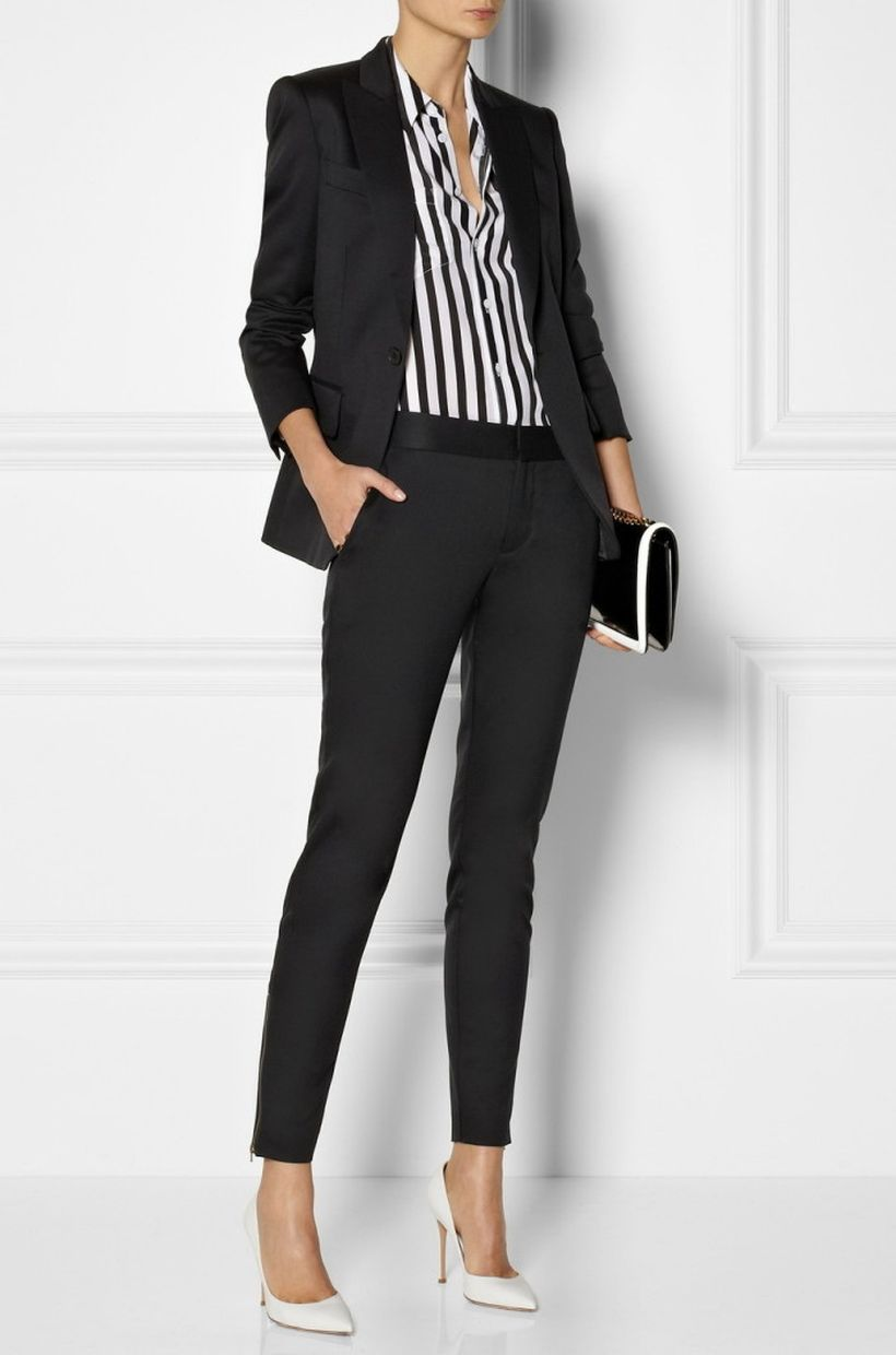 Vertical-striped-black-and-white-shirt.-