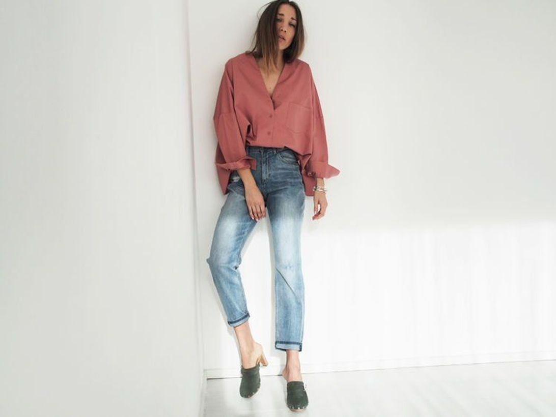 A-stunning-pink-mix-and-match-outfit-with-crop-jeans-paired-with-a-loose-pink-shirt-even-though-wearing-footwear-is-right-it-still-doesnt-look-feminine-look.-