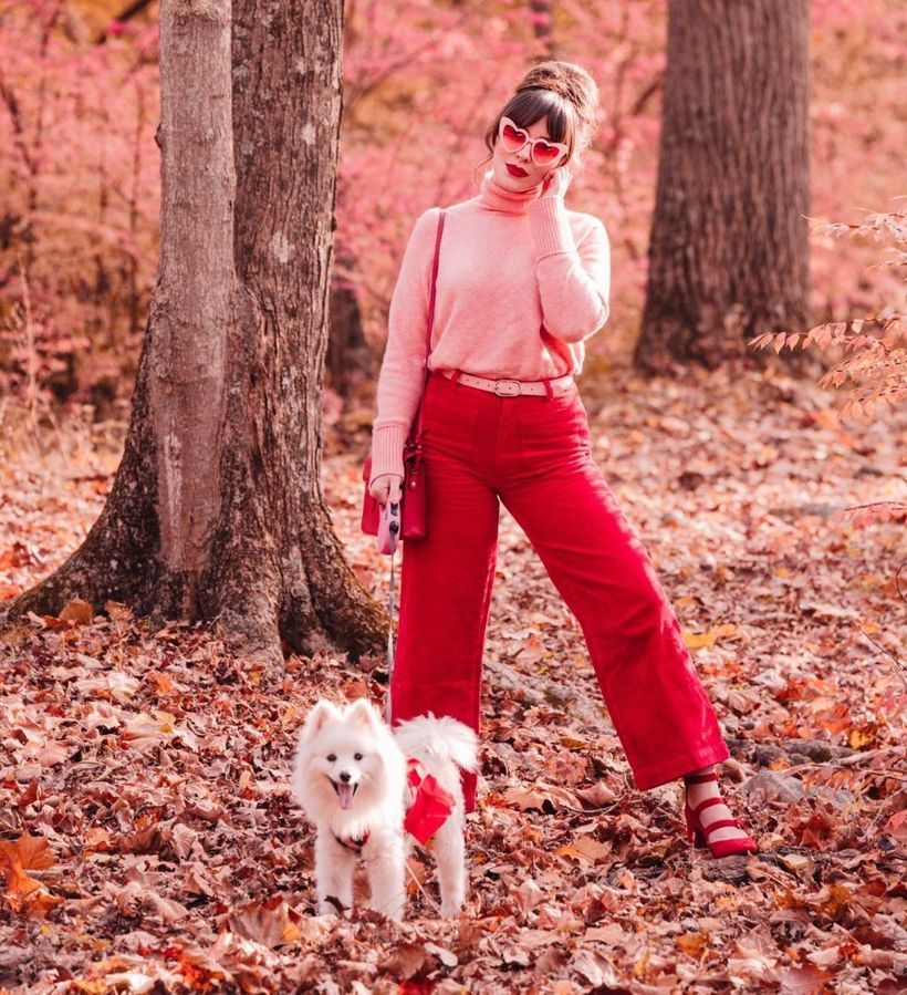 A-fabulous-pink-mix-and-match-outfit-with-combining-red-culottes-and-pink-turtlenecks-also-add-belts-and-sling-bags-to-make-them-even-cool.-