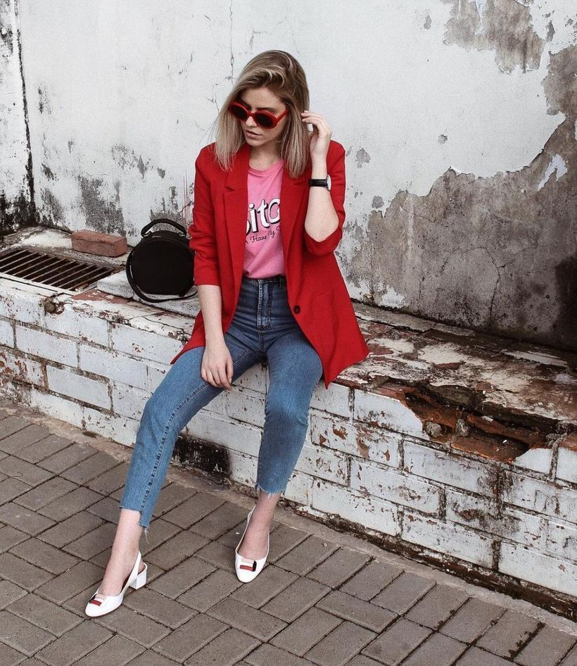 An-extraordinary-pink-mix-and-match-outfit-with-combining-pink-t-shirt-red-blazer-and-jeans-also-add-some-accessories-to-make-it-more-fashionable.-