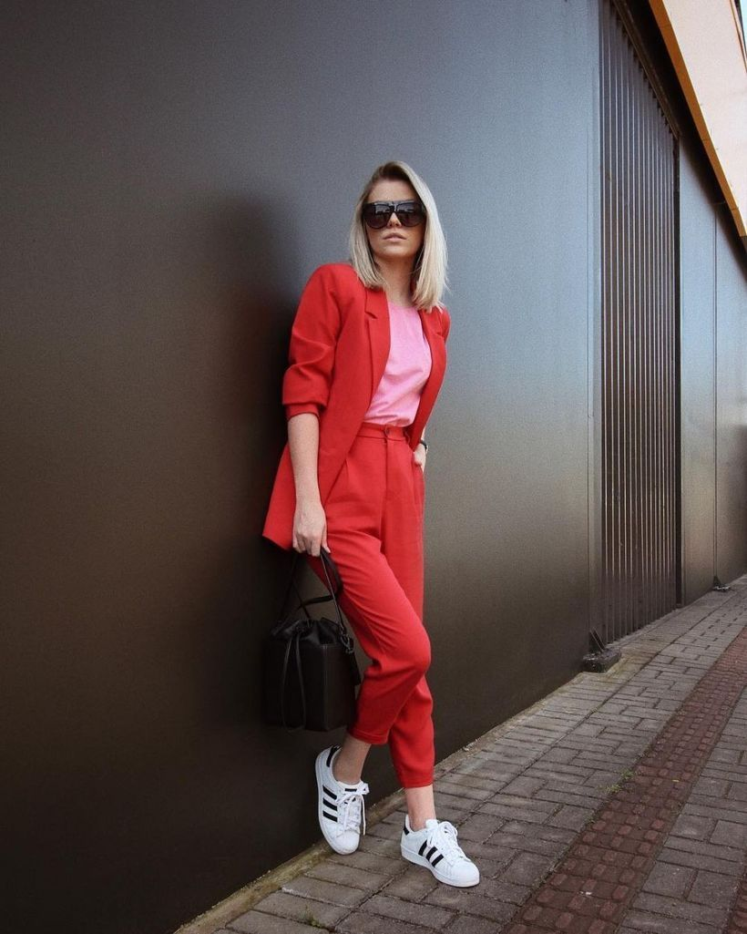 An-amazing-pink-mix-and-match-outfit-with-combine-pink-t-shirts-blazers-and-pants-matching-red-and-in-rhythm.-