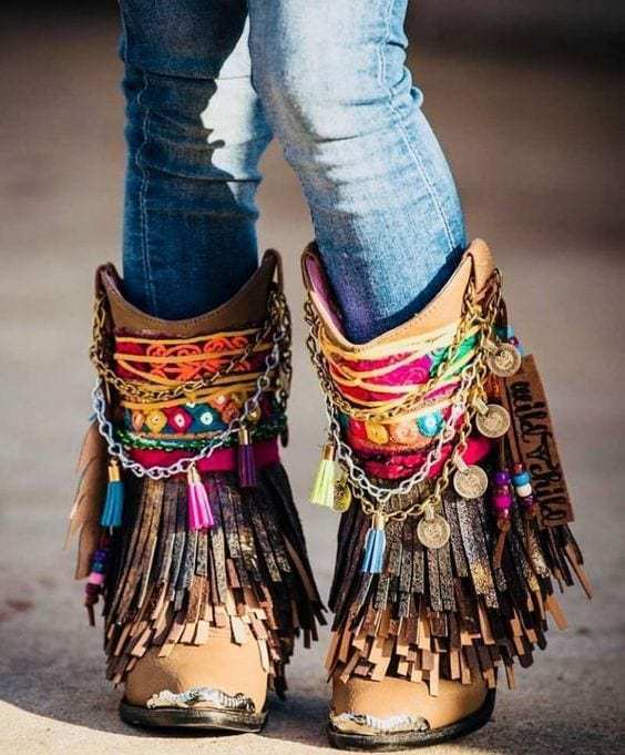 An-exciting-bohemian-brown-shoes-for-men-with-boho-chic-relax-and-style-parties