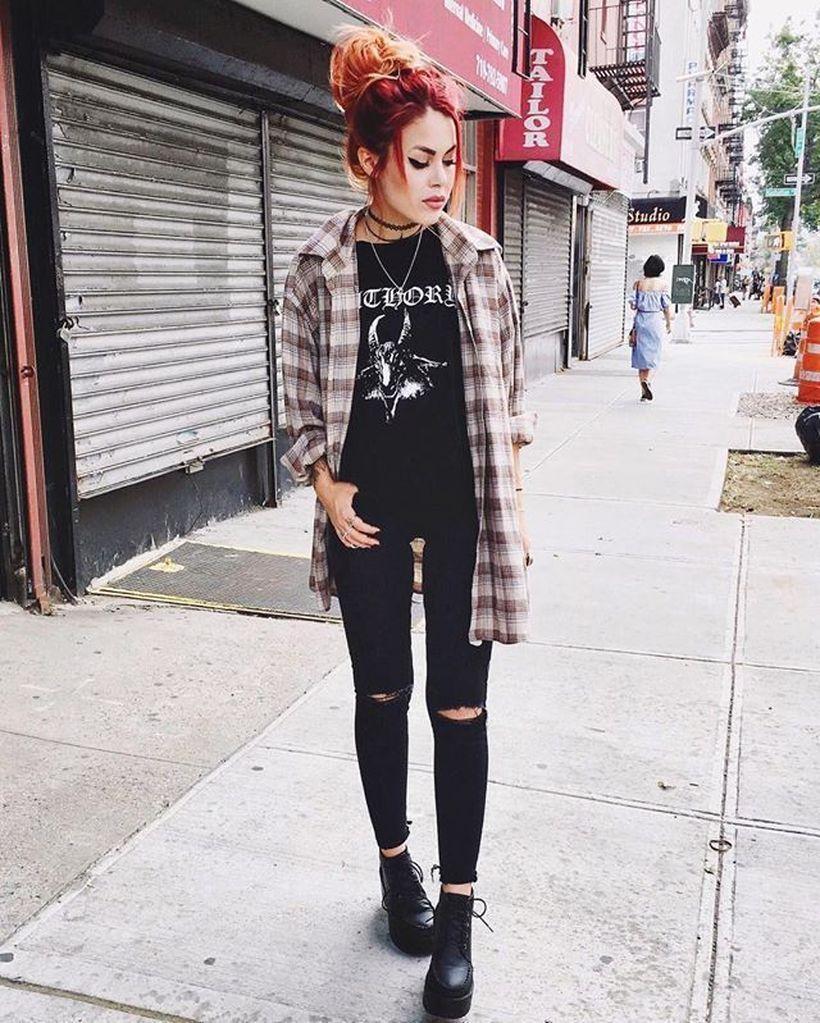 Black-t-shirt-and-long-sleeves-plaid-shirt