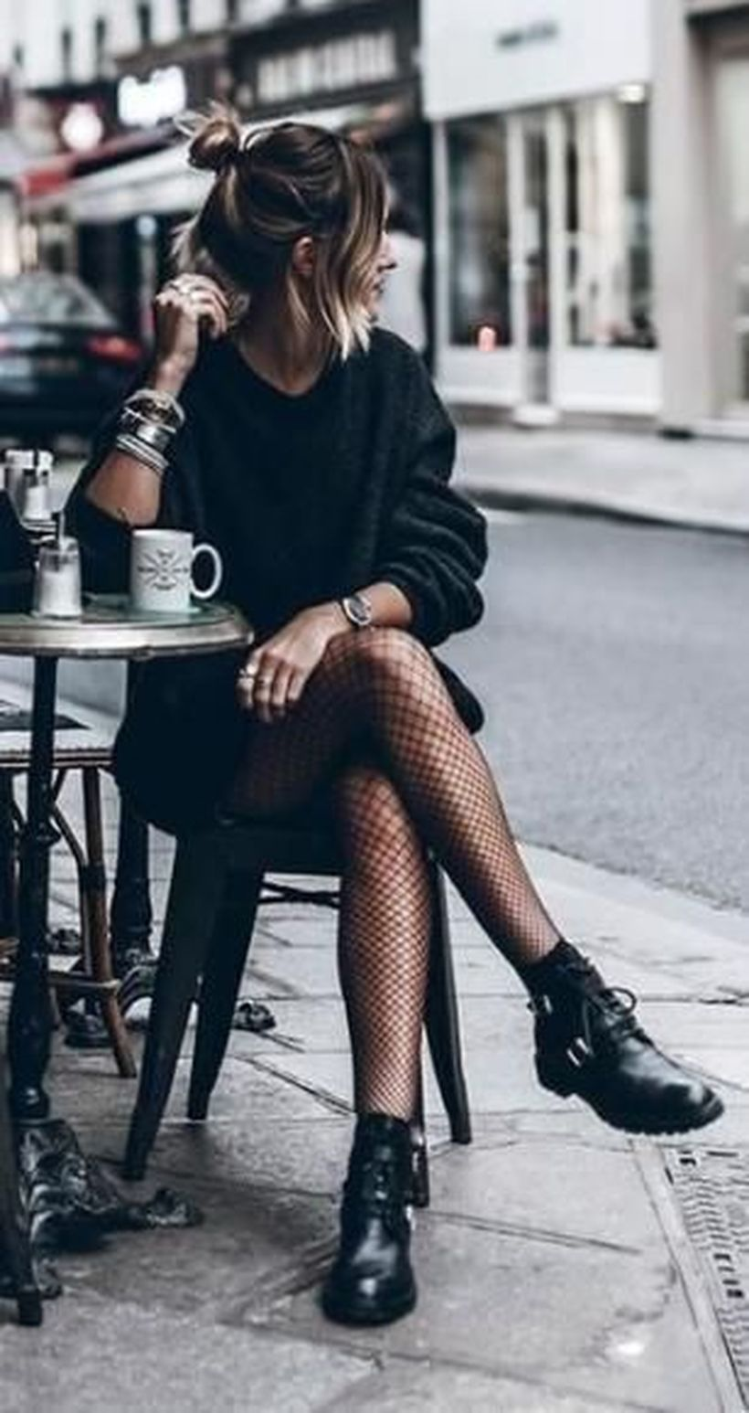 Long-black-sweater-and-black-boot
