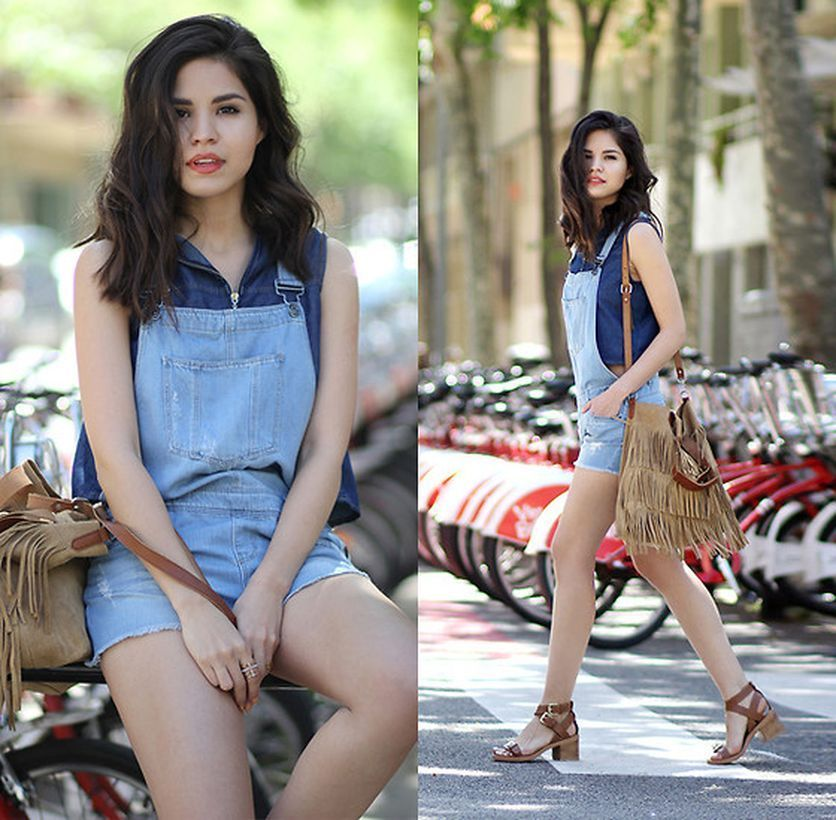 Casual-denim-jumper-brown-sandals-and-fringe-shoulder-bag-to-look-wear-for-the-day