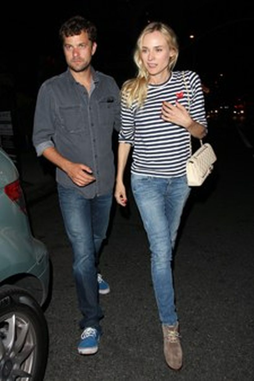 Fashion-night-time-outfit-with-striped-t-shirt-denim-pants-and-suede-boot-for-your-style