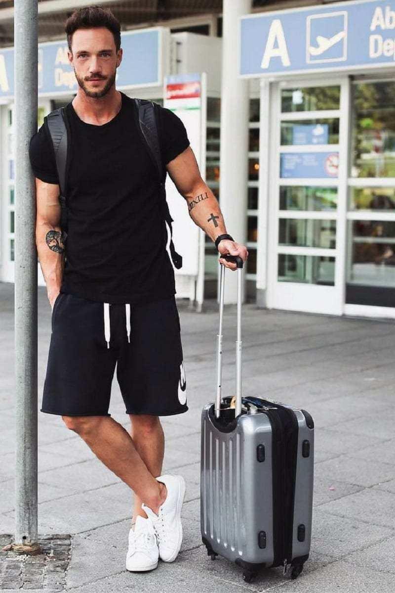 Airport look 8