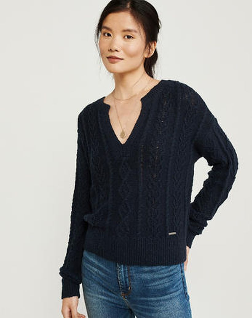 Gorgeous long sleeves sweaters with dark blue color for asian women to look sweet