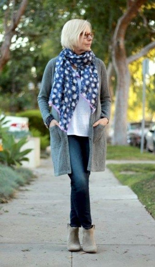 Grey cardigan combined with jeans