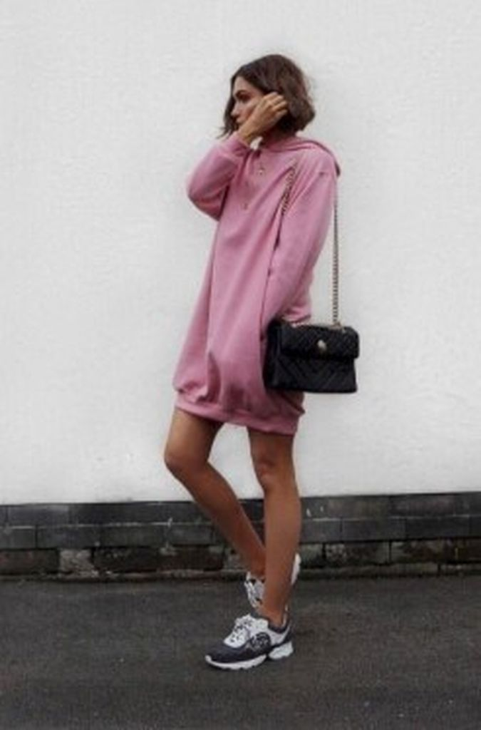 Cute-pink-oversize-hoodie-combined-with-sneakers-to-perfect-your-style