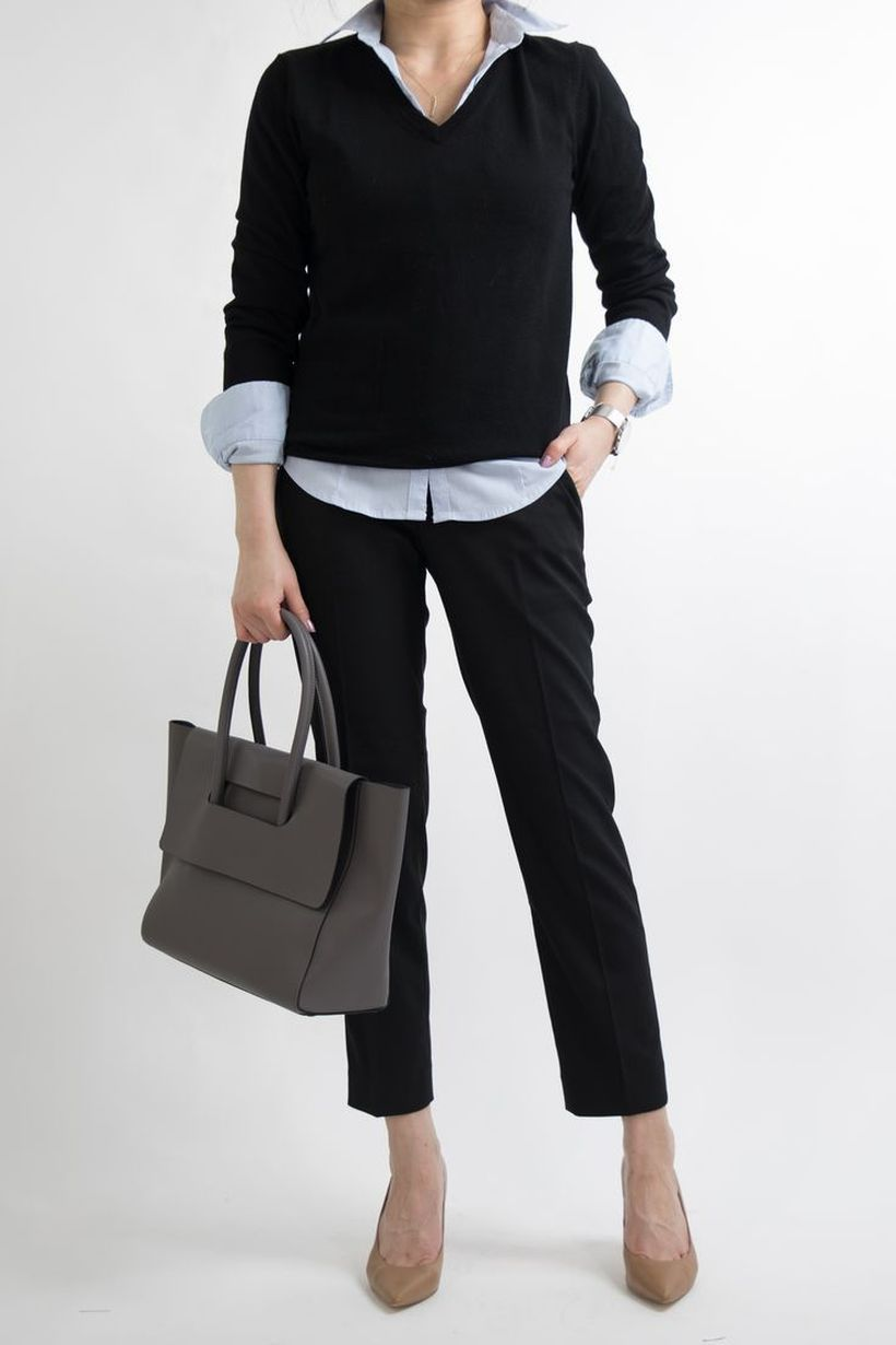 Best-combination-black-sweater-and-pants-to-look-elegant