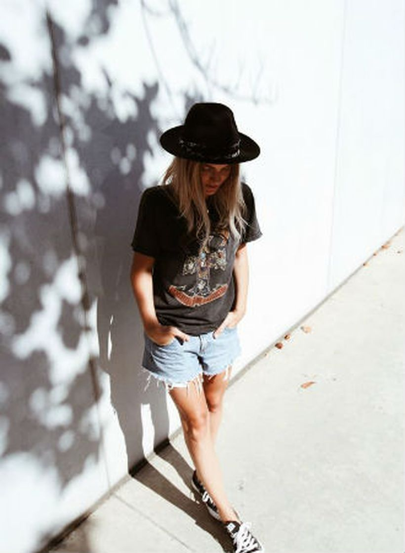 Match-lace-up-denim-and-a-vintage-tee.-