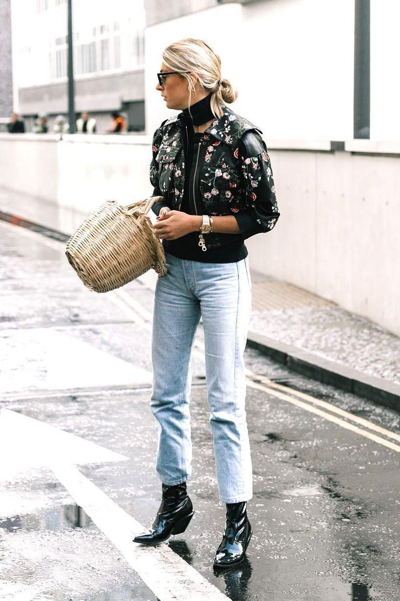 Small black pattern jacket and denim pants