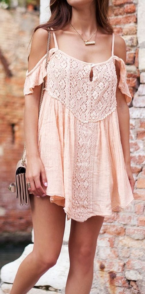 Embroidered dress in pink for women